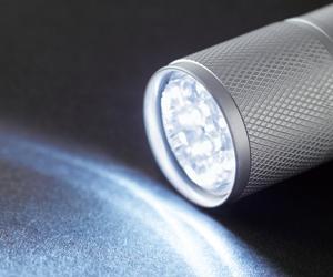 LED9灯カラビナ付ライト