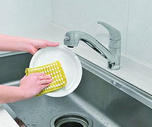 洗剤いらずのふきん型キッチンスポンジ