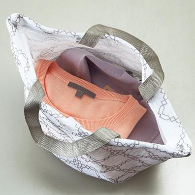 モノワイズ・ポータブルランドリーバッグ